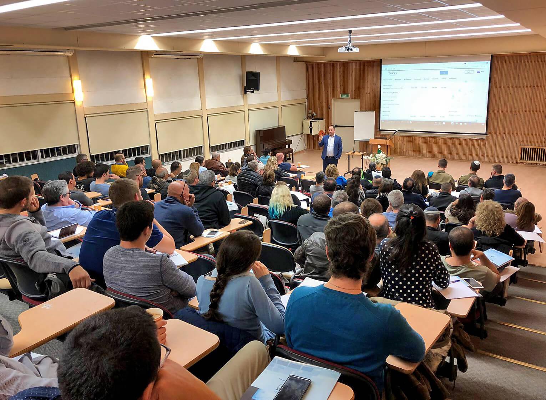 כנס, השכלה פיננסית, הרצאה, השקעות, ישראל מורגנשטרן